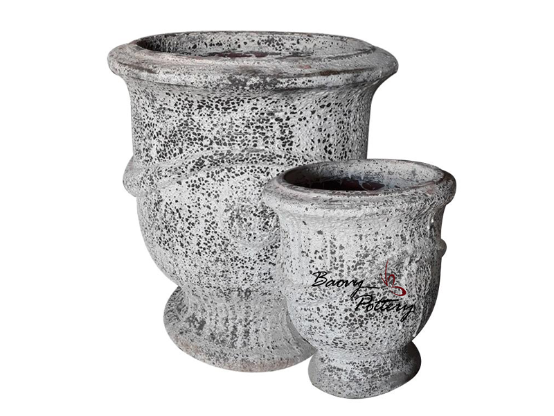 White Atlantis Urn Planter